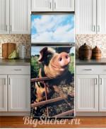 Наклейка на холодильник Свинка Z034